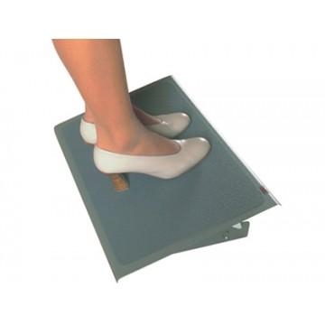 Apoio de pés 3M de aço ergonómico